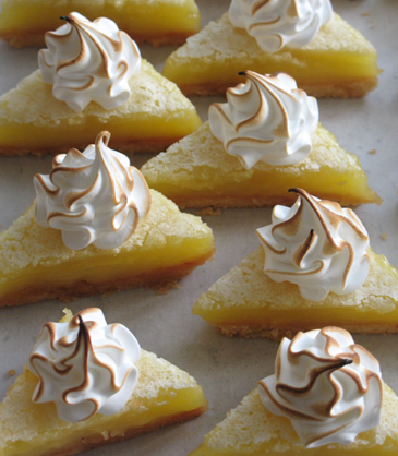 toast meringue on lemon bars