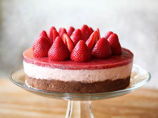 No-Bake Strawberry Cheesecake! – Zoe Bakes