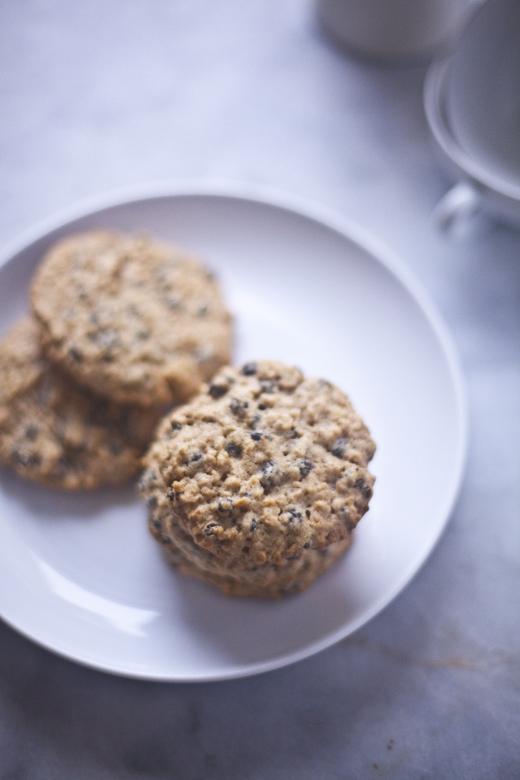 gluten-free oatmeal cookies | ZoeBakes 16